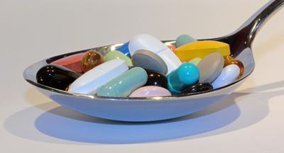 apotheken-wissen.de: Medikamente, Medikamenteneinnahme, Medikamentenliste, Medikationsplan, Wechselwirkungen, Beipackzettel, Nebenwirkungen, Priscus-Liste