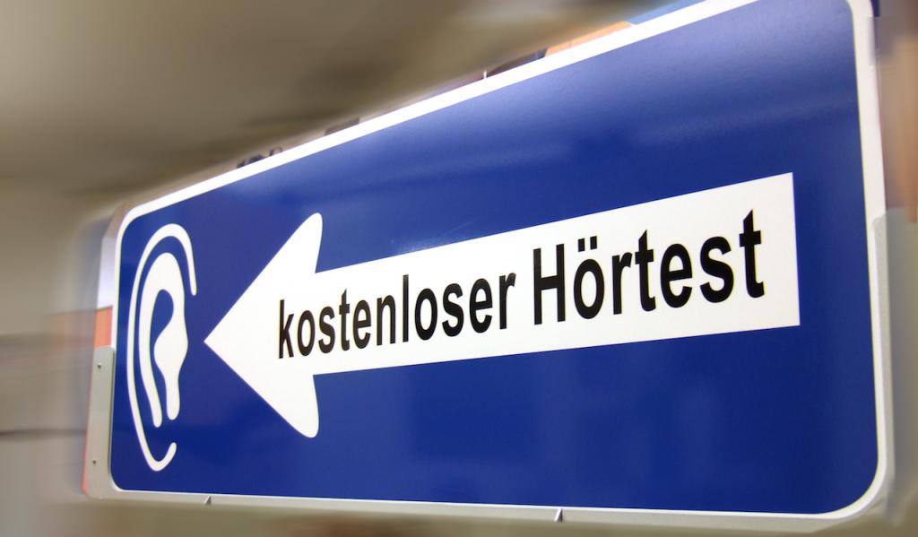apotheken-wissen.de: Hörtests sind wichtig, vor allem bei Kindern