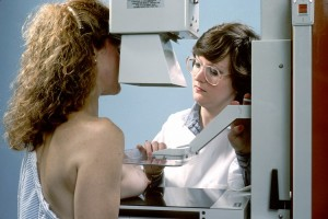 Vorsorgeuntersuchungen Krebsfrüherkennnung Mammographie - apotheken-wissen.de