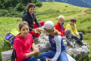 Wandern mit Kindern und Jugendlichen - apotheken-wissen.de